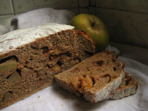 rye and apple bread
